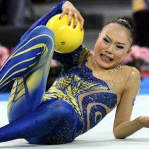 Gimnasta Olimpica se rompe la cadera en plena competición 5