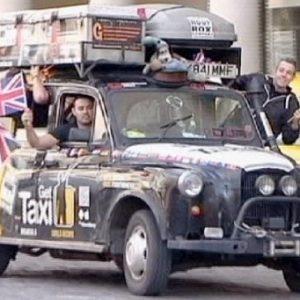 Récord mundial viajando en un taxi durante 450 días por 51 paises 23