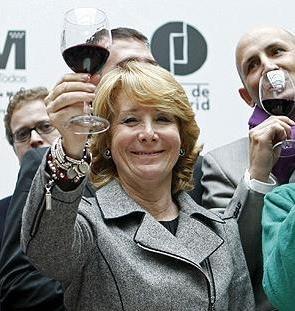 Esperanza Aguirre subirá el precio de la gasolina en Madrid con mas impuestos 14