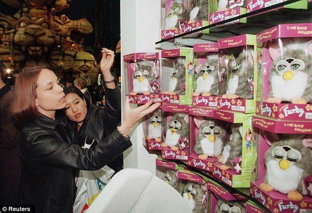 Furby ha vuelto y regresa en un intento por ser el rey en ventas del 2012 17