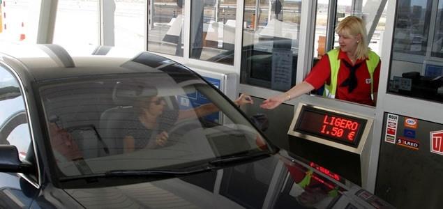 Esperanza Aguirre pondrá peaje en las autovías de Madrid 13