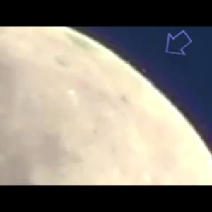 Vídeo de 5 OVNIS aterrizando en la Luna 27