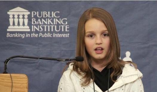 """fa4c0aa8a0084eeb8fae3bc4745a8789 - """"Estamos siendo robados por los bancos y un gobierno cómplice"""": analista de 12 años triunfa en la web"""