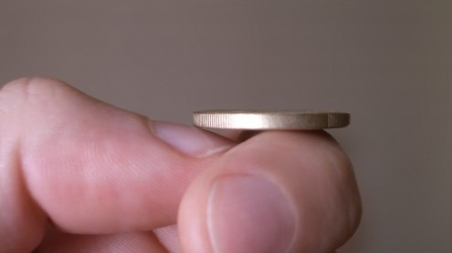 La probabilidad de que al lanzar una moneda salga cara no es del 50 % 22