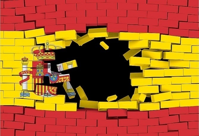 71fcabf30fa6a7bd30515ce686621c7e - Hay que salvar a España, pero de quién y cómo