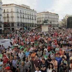"""Miles de personas exigen en 58 ciudades una salida """"por la izquierda"""" a la crisis económica 24"""