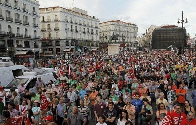 """Miles de personas exigen en 58 ciudades una salida """"por la izquierda"""" a la crisis económica 2"""