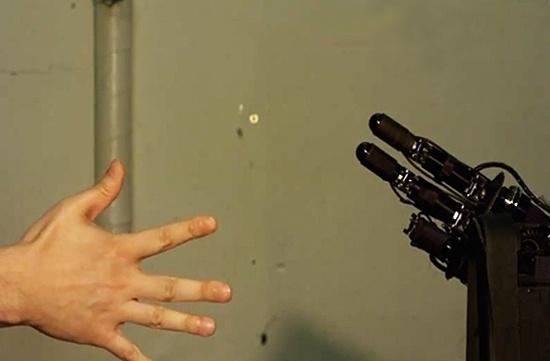 Janken: El robot que es invencible jugando piedra, papel y tijeras 9
