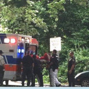 """""""Elmo Antisemita"""" es arrestado y llevado en ambulancia a un hospital 27"""