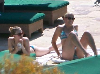 e7bf886df6c9c3ddfe777f332641bb76 - Scarlett Johansson en bikini y con novio nuevo