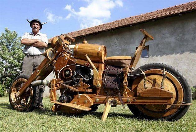 Moto construida completamente de madera 17
