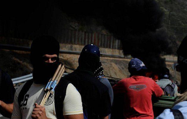 Batalla campal en Ciñera entre guardias civiles y mineros 16