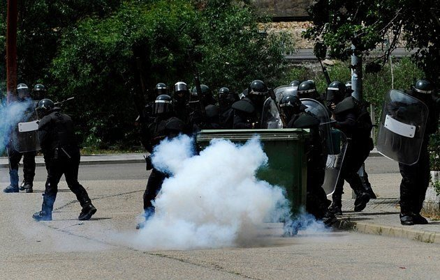 Batalla campal en Ciñera entre guardias civiles y mineros 17