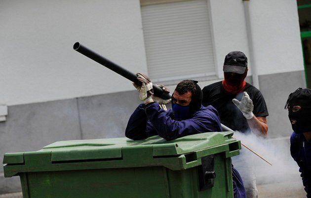 Batalla campal en Ciñera entre guardias civiles y mineros 19