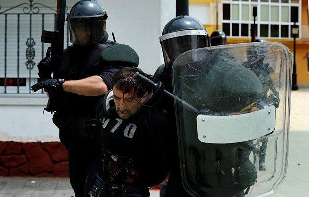 Batalla campal en Ciñera entre guardias civiles y mineros 21