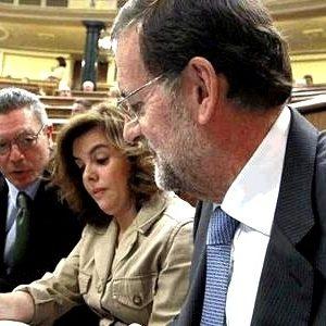 Una amplia mayoría rechaza los recortes del Gobierno de Mariano Rajoy por inútiles 24