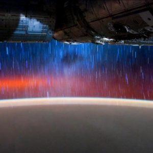 La vista desde la Estación Espacial Internacional por la noche 9