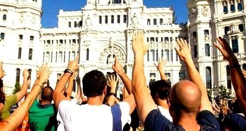 7fd8400c27493954595647bddf7d3d9f - Policías de paisano y bomberos se enfrentan con antidisturbios a las puertas del Congreso