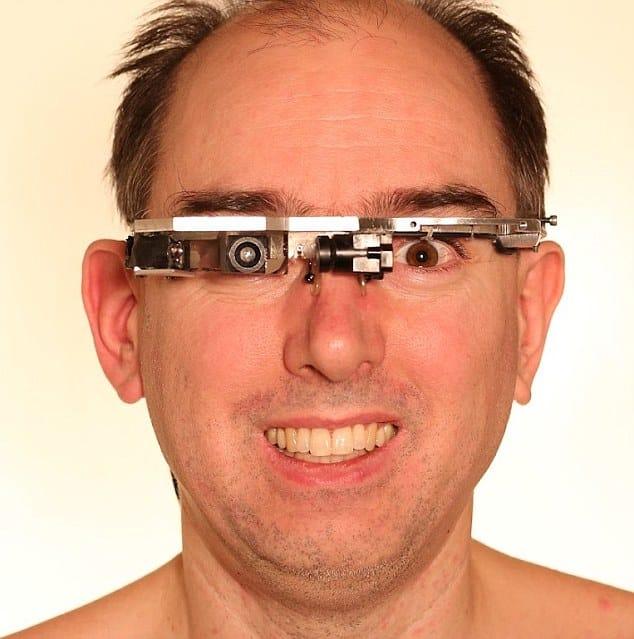 Atacado por llevar unas e-gafas en un McDonald's parisino 7