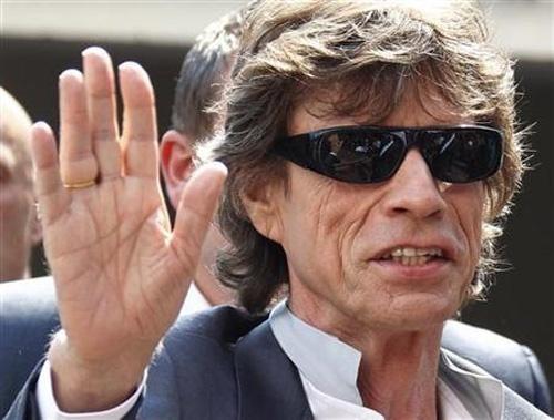 bf5e0896e29b7f036f449c46c707814a - Mick Jagger y su obsesión por Angelina Jolie