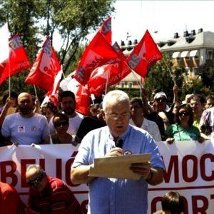 """Cayo Lara llama a la """"rebelión"""" contra los recortes a las puertas de La Moncloa 22"""