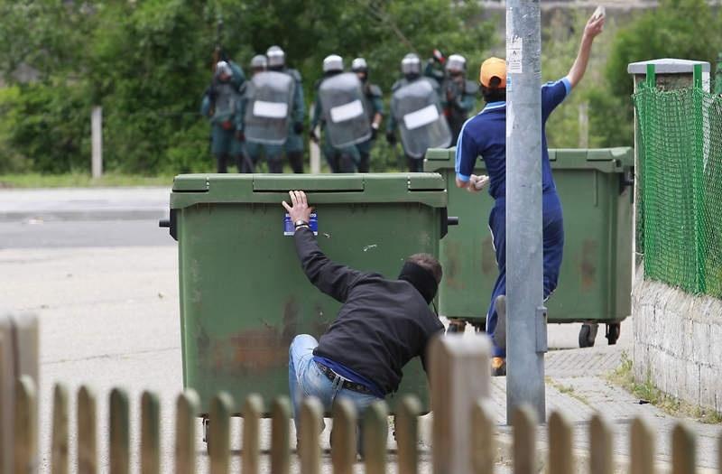 Batalla campal en Ciñera entre guardias civiles y mineros 2