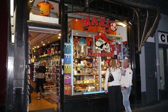 La tienda de drogas de Super Mario Bros en Amsterdam 18