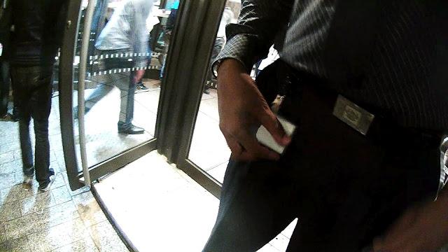 Atacado por llevar unas e-gafas en un McDonald's parisino 6