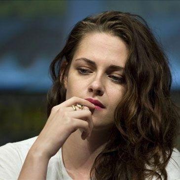 3113633f8c0242316c7d8bf4ba03ec73 - Drama vampiro: Kristen Stewart llora y no se baña