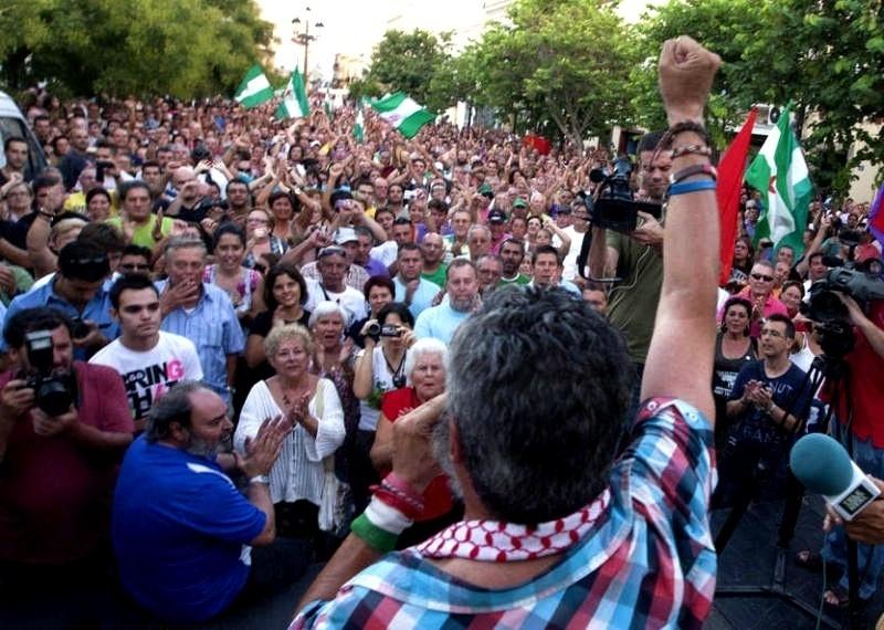 """Mas de 5000 personas gritan """"Gordillo, presidente"""" en la última movilización del SAT 14"""