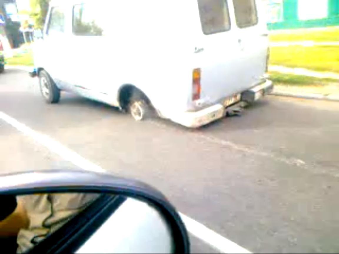 9a9975ed61463a6dc929492ab2b7763b - Conduciendo furgoneta sin goma en Rusia