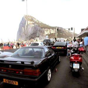 La subida del IVA dispara las colas de coches en la frontera de Gibraltar 8