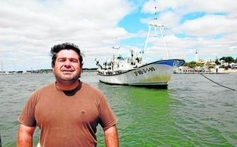 504f068b716fbc49c5af0dc64897f733 - El Ministerio de Empleo niega licencia para trabajar en el mar a un pescador por ser tartamudo