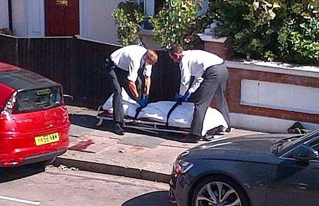 7a7a1b5b62bd91f168816ae073e91b87 - Un hombre cayó de un avión en pleno vuelo y se estrelló en el piso