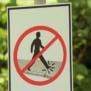Prohibido pisar las grietas de la acera 20