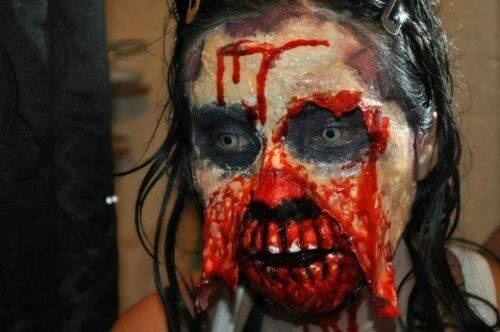 Excelente disfraz zombie para Halloween 12