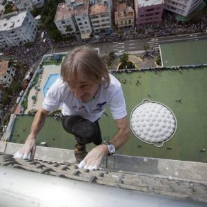 """#Video Alain Robert """"el hombre araña francés"""" escaló edificio en Cuba 27"""