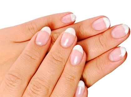 La verdad sobre las manchas blancas en las uñas 10