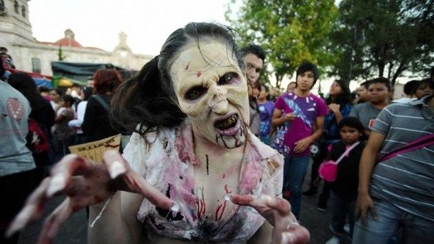 'Hackean' un canal de televisión para transmitir una alerta falsa sobre zombies 19