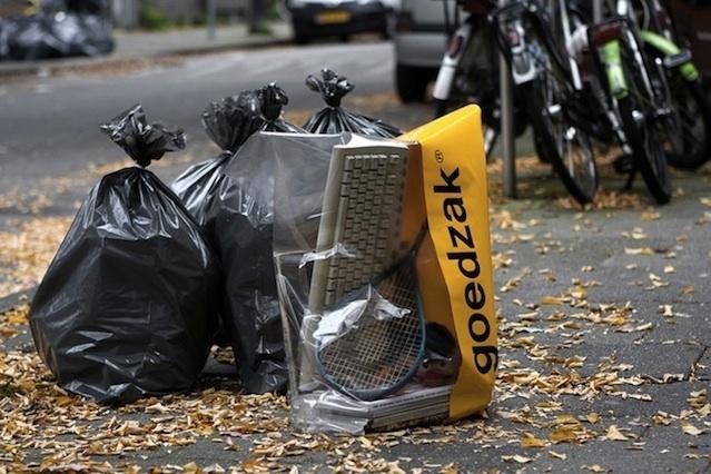 766488e3658e0daaabe6f7e42c884255 - Una bolsa semitransparente para dar una segunda oportunidad a lo que tiramos a la basura