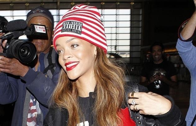 Rihanna consigue una orden de alejamiento contra un fan obsesivo 12