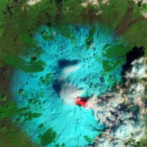 El temido volcán Etna despierta de nuevo, así se ve desde el espacio 5