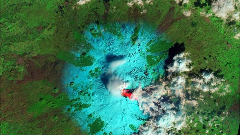 El temido volcán Etna despierta de nuevo, así se ve desde el espacio 20