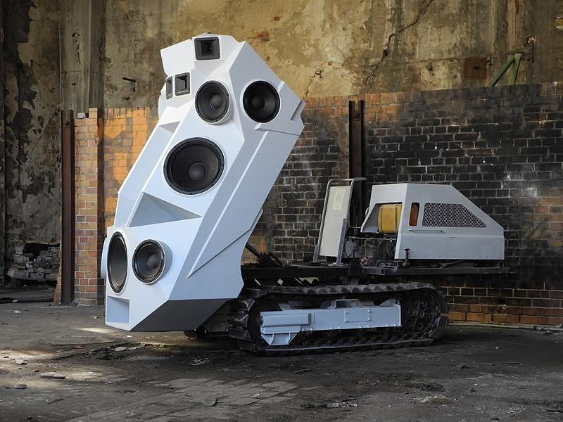 e5f13757360abae96edaf4672d276461 - Sound-Panzer máxima potencia sonora sobre orugas
