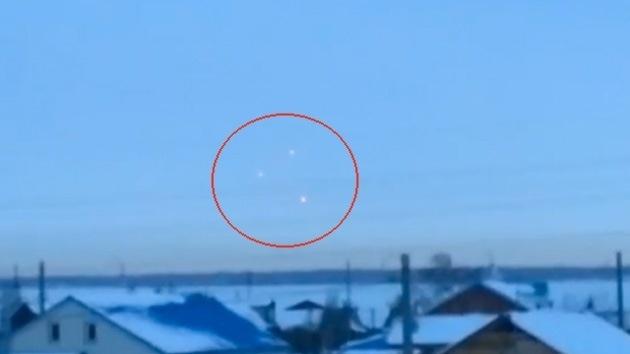 #Video Tres OVNIS sobrevuelan el suroeste de Rusia 11