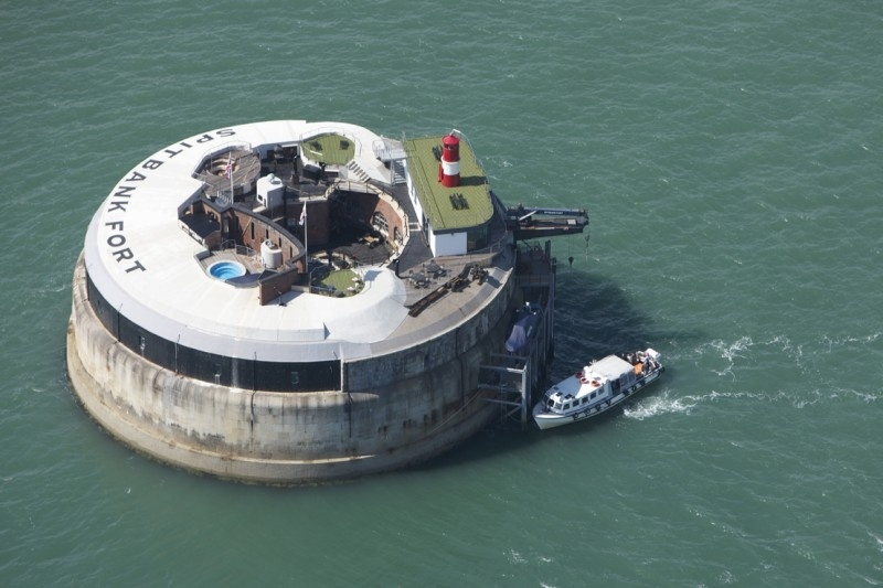 #Video Una fortaleza en medio del mar convertida en hotel de lujo 9