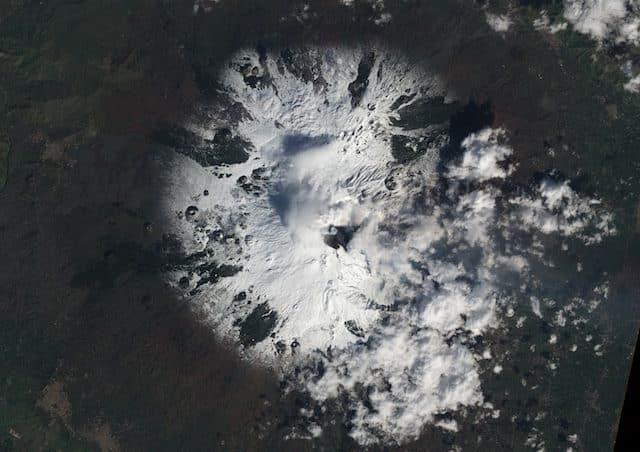 El temido volcán Etna despierta de nuevo, así se ve desde el espacio 22