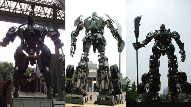 Transformers en Pekín. Realizados por el estudiante de arte chino Bi Heng. Miden 10 metros y pesan 2 toneladas.