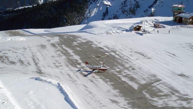 20 pistas de aterrizaje terroríficas que te quitarán las ganas de volar 21