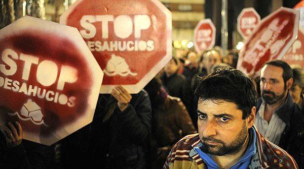 #Video Desahucios en España: cuando la única salida es la muerte 14